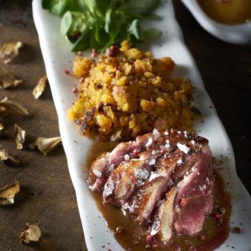 Magret con migas de ceps y salsa Pedro Ximénez Escuela de Cocina TELVA Recetas