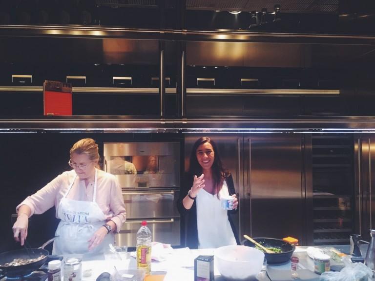Martina Rebull visita la Escuela de Cocina TELVA