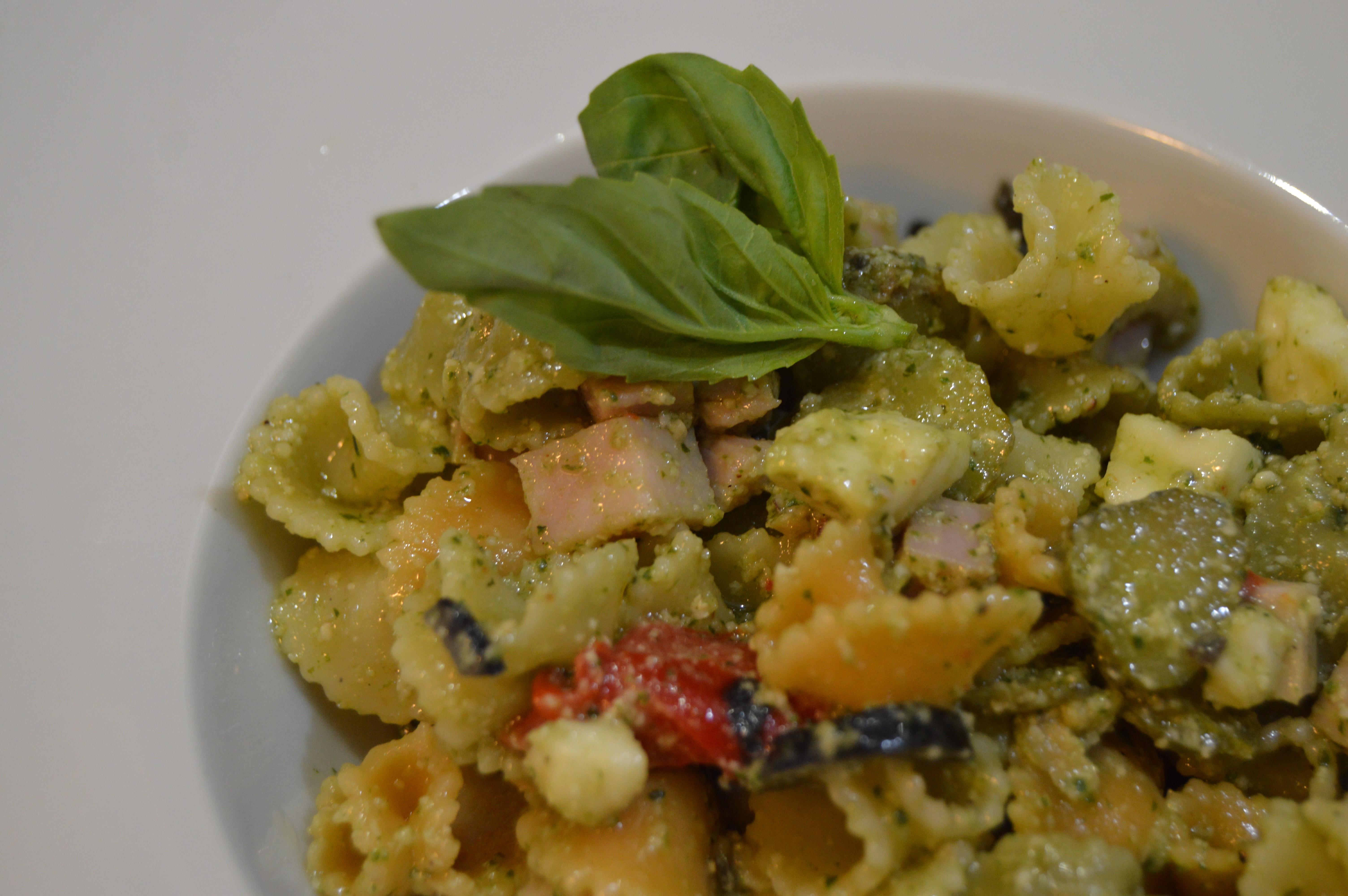 A cocinar con clara ensalada de pasta al pesto escuela - Como hacer espaguetis al pesto ...