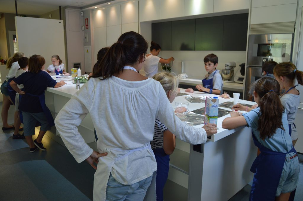 El mes de los niños - Sesé San Martín - Mis cinco tenedores - Escuela de cocina TELVA - TELVA - Escuela de cocina en Madrid y Sotogrande