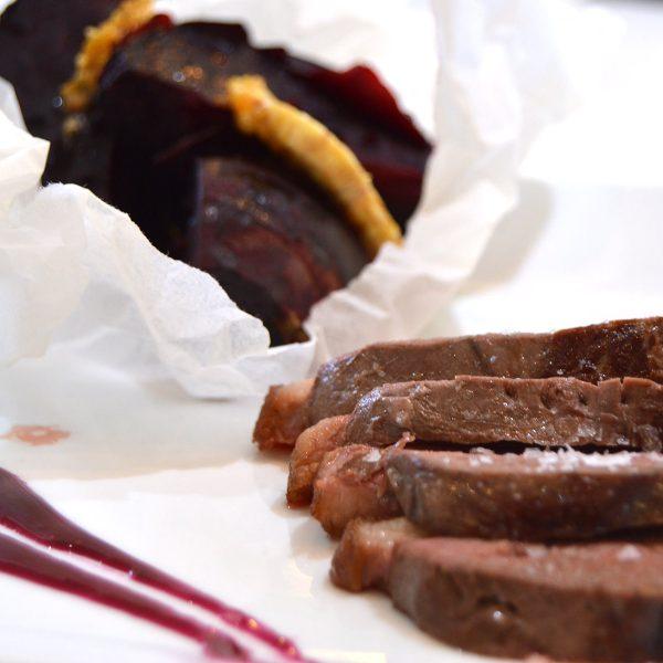 Curso de técnicas intermedias de la Escuela de cocina TELVA - Programa - Magret de pato con patatas Anna y chalotas glaseadas