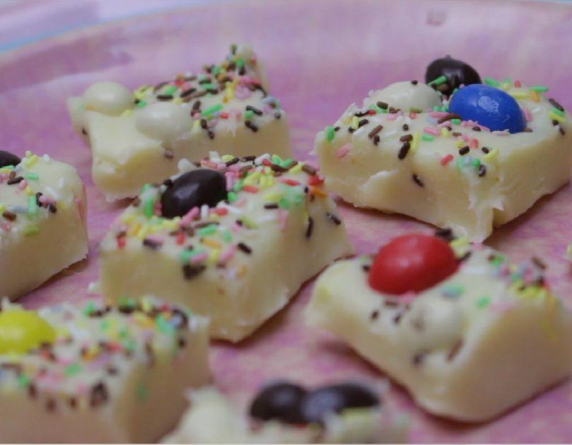 Dados de chocolate blanco - Receta TELVA - Escuela de cocina TELVA - Recetas TELVA - Cocina TELVA - Recetas que salen