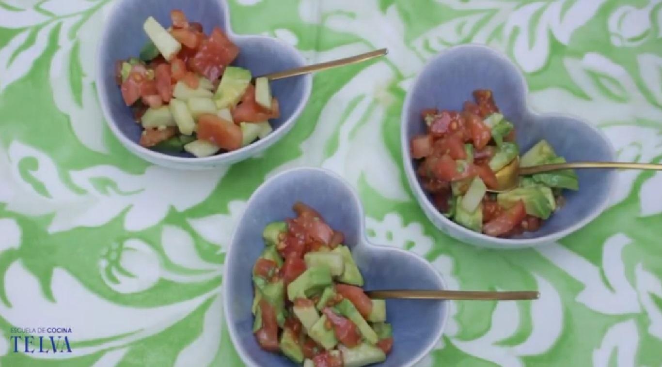 Ensalada de aguacate manzana y tomate recetas telva - Escuela cocina telva ...