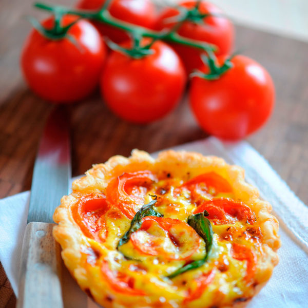 Recetas sencillas para verano - Cocina de verano Cursos monográficos de la Escuela de cocina TELVA Programa Tartitas de parmesano y tomate