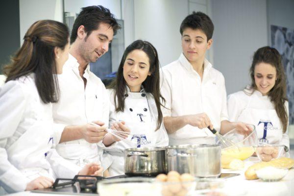 Curso para Erasmus Cursos monográficos de la Escuela de cocina TELVA Alumnos