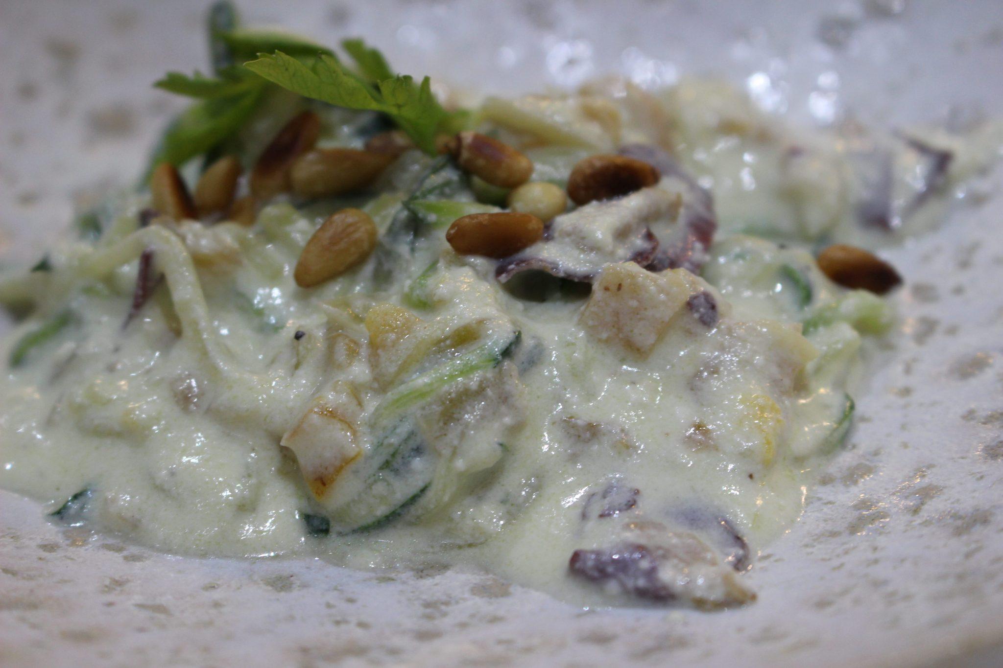 Espaguetis de calabacín con jamón de pato y requeson Escuela de Cocina TELVA