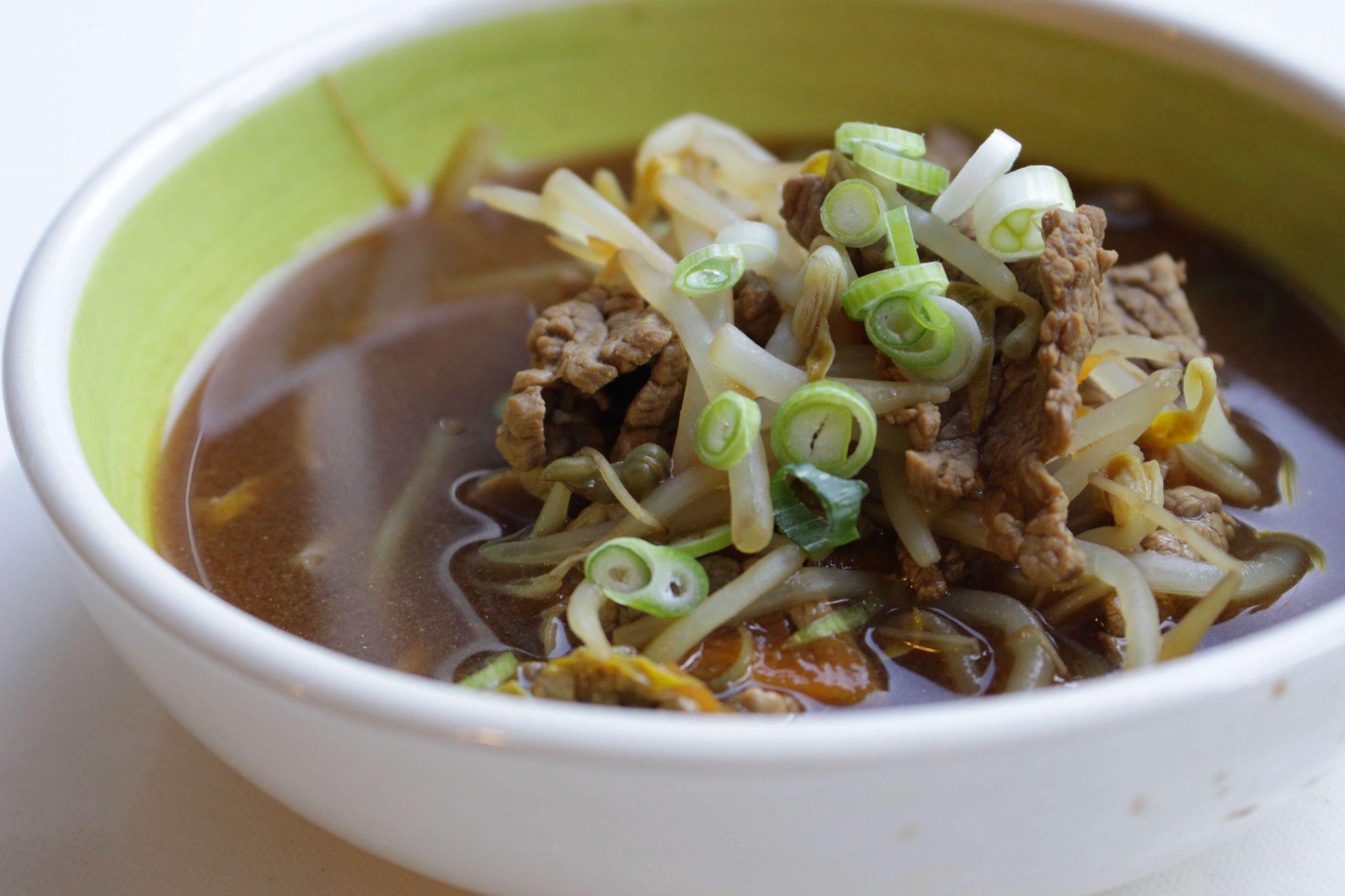 Sopa rápida de ternera en Wok Escuela de Cocina TELVA
