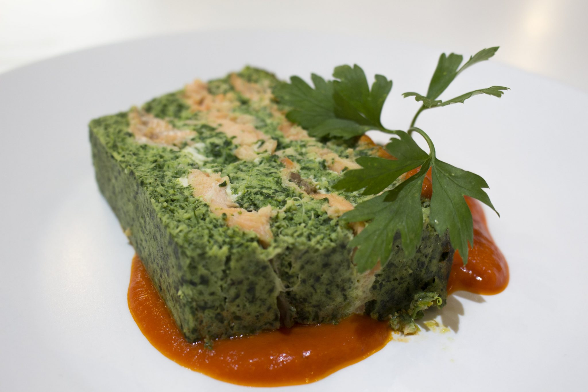 Terrina de salmón, merluza y espinacas escuela de cocina telva